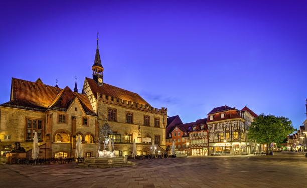 Altes Rathaus - Abendstimmung (8MB)